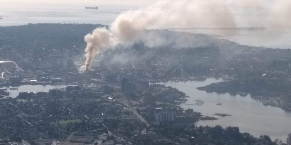 Major fire in downtown Victoria, B.C.