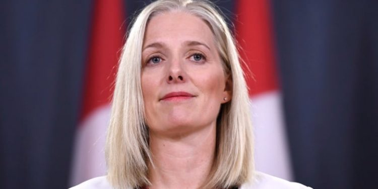 "Catherine McKenna says ""Do right by the planet"" and get the carbon tax rebate before a heat-wave kills you"