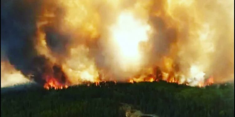 Wabasca and Bigstone Cree Nation wildfires continue to spread