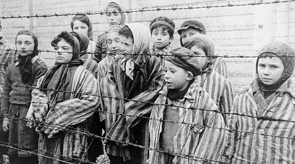 Canadians are dangerously misinformed about the Holocaust: poll