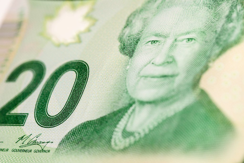 Canadian economy experienced no growth or decline in July