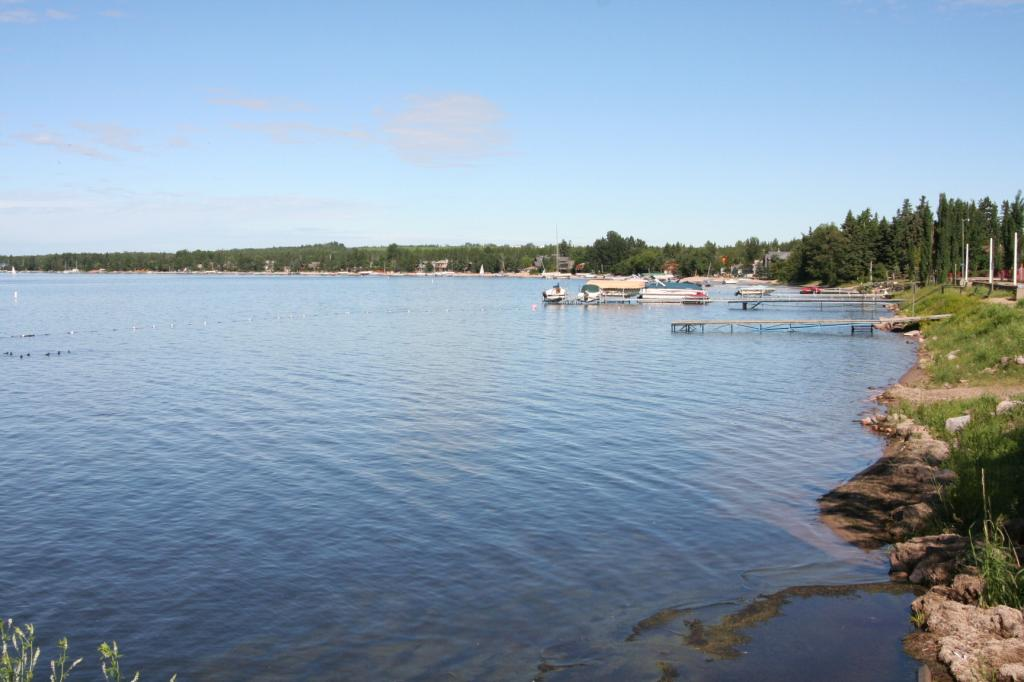 Pigeon Lake, Alberta has a fecal bacteria problem — Health Services issues advisory