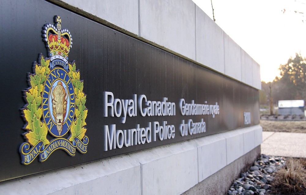 Former B.C. government disbanded the illegal gaming unit despite signs of corruption: Report