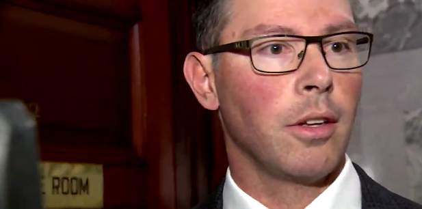 WATCH: Alberta's justice minister doesn't play along with journalists' game