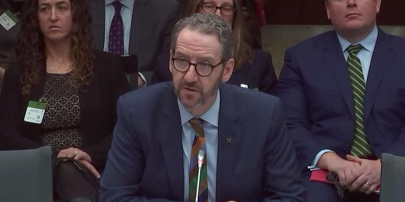 """Gerald Butts spreads fake news on Twitter with Hollywood & """"colossal lack of knowledge"""" about mortgages, banking sector"""