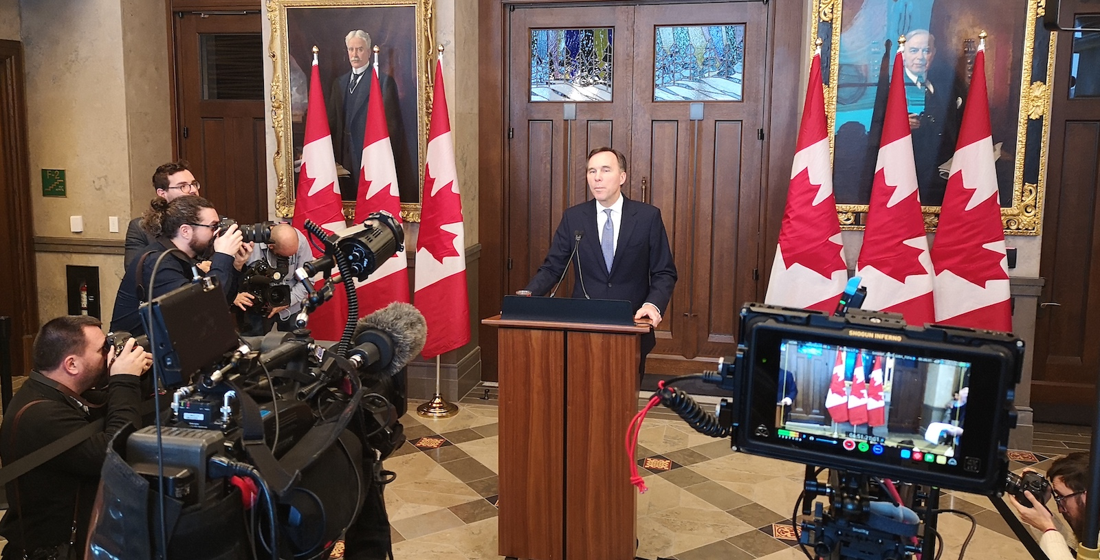 Federal liability looms over $111.5 billion more red ink, moderate growth: Morneau's economic update