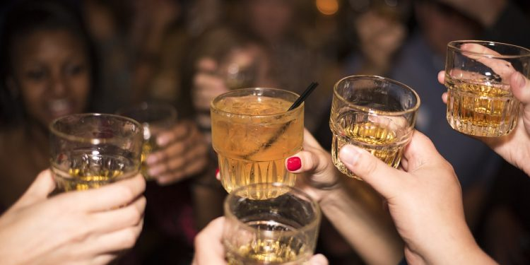 Statistics Canada: One-in-five Canadians are heavy drinkers, opioid use remains high