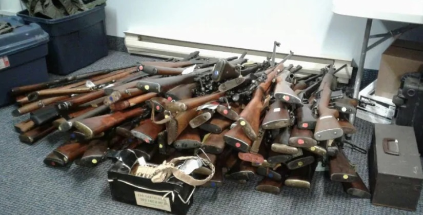 Nova Scotian man misdials 911—100 unsecured guns confiscated