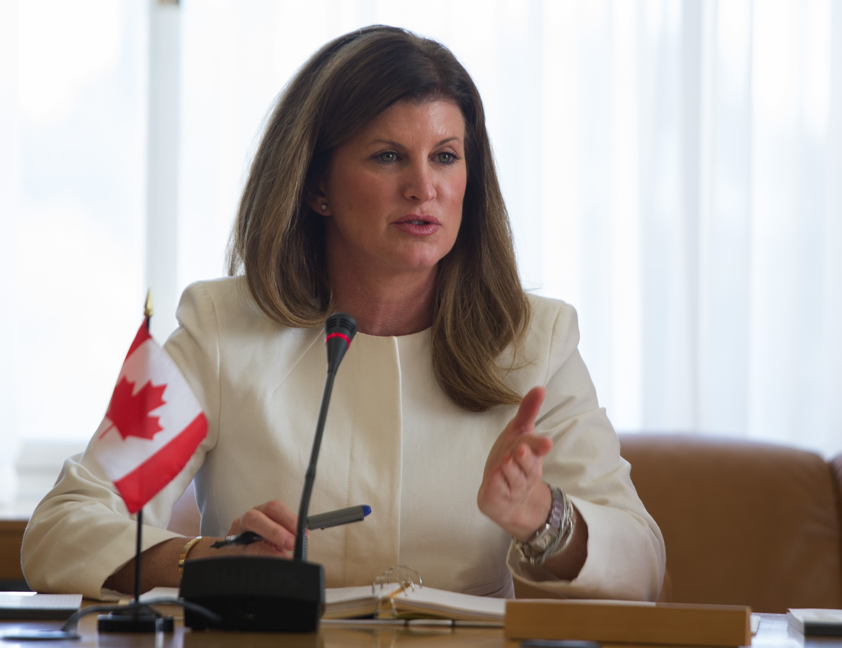Ex-Conservative leader Rona Ambrose contradicts Scheer, supports Pride Parades