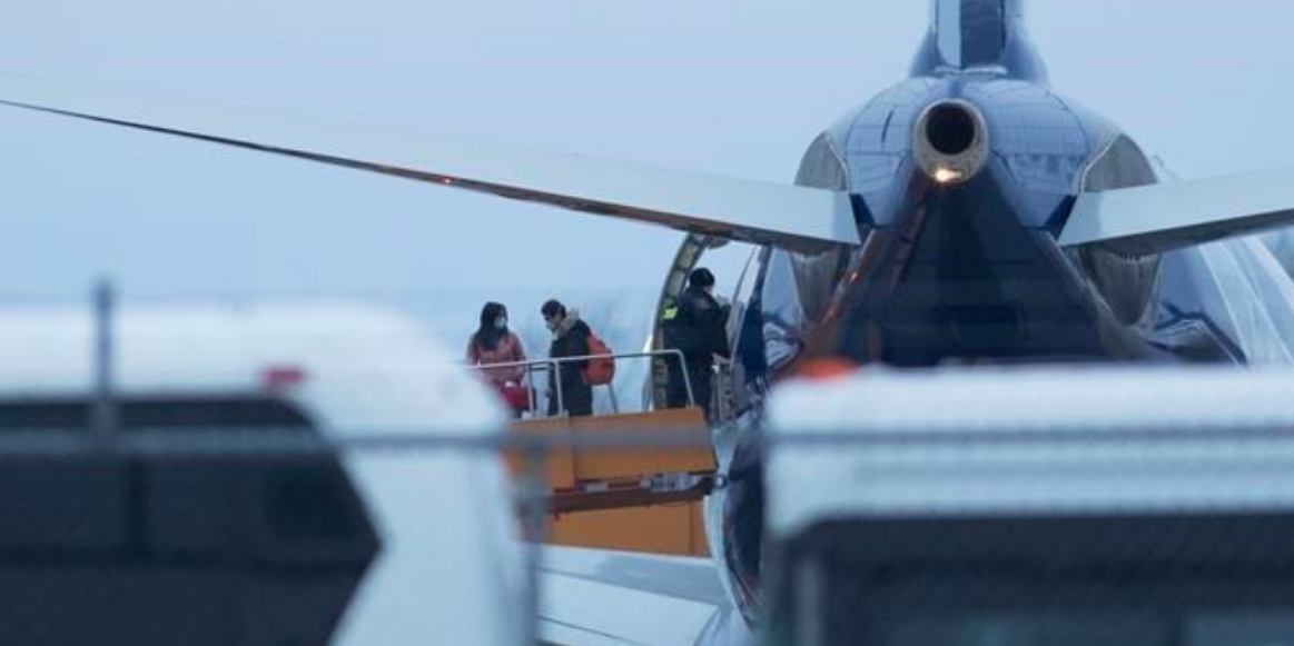 Second plane carrying Canadian evacuees from Wuhan, China arrives in Ontario