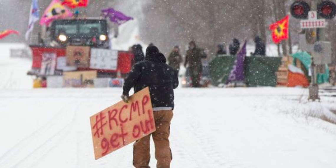 POLL: 75 percent of Canadians displeased with Trudeau government response to anti-pipeline protests