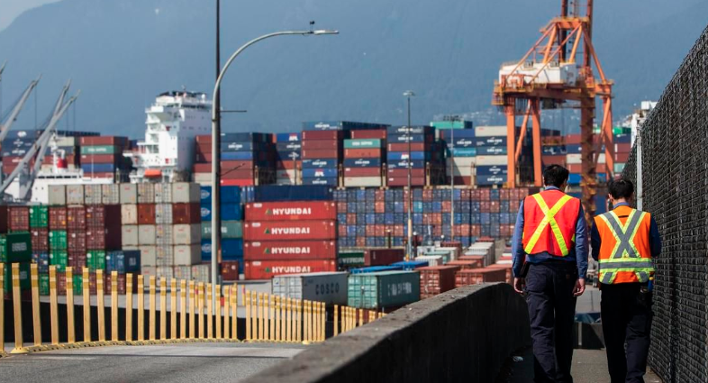 BC exports fall $30 million a day due to anti-pipeline blockades, cargo may be diverted permanently