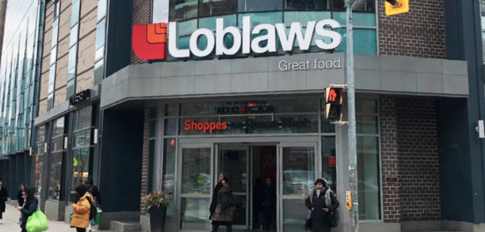 PANIC: Man arrested after pulling out gun in Toronto grocery store