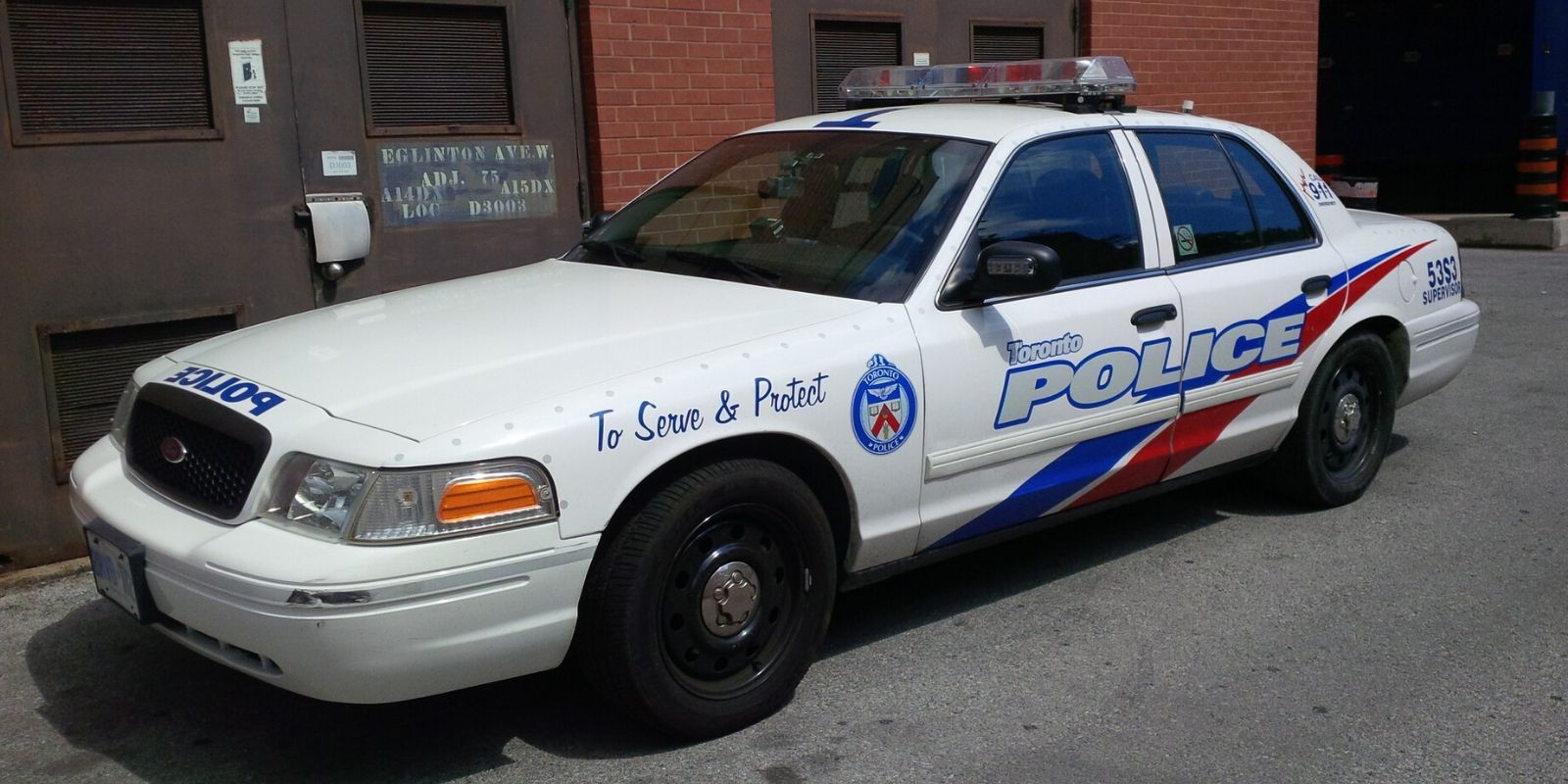 Suspected impaired Toronto driver slams into bus shelter