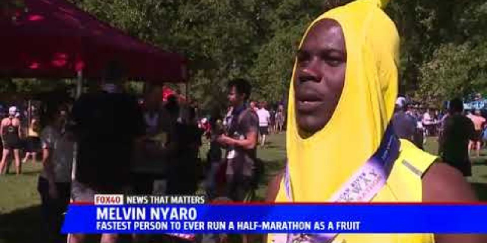 WATCH: American in a banana suit takes the spotlight during Toronto Marathon