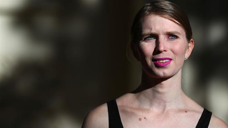 Chelsea Manning attempts suicide in jail