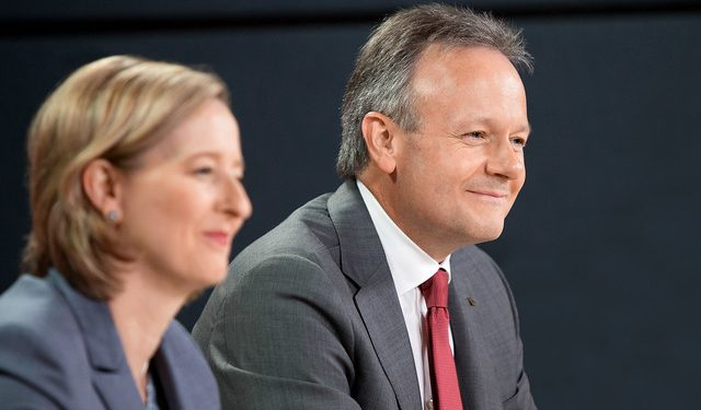 Bank of Canada holds interest rate steady amidst heavy household debt, mediocre economic forecast