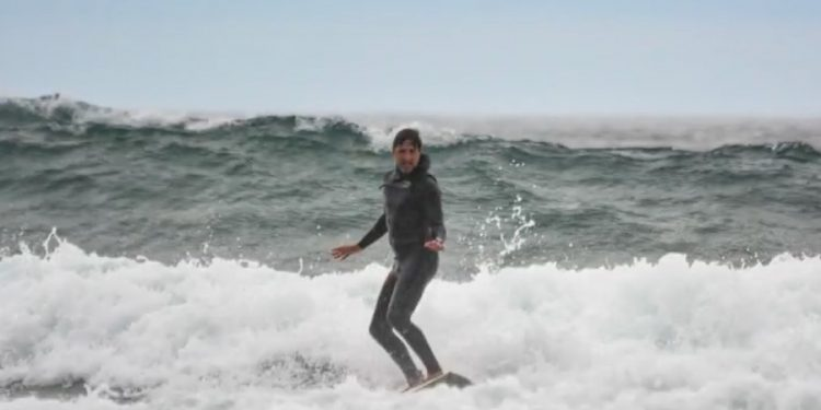 Trudeau travels across the country to go surfing in Tofino