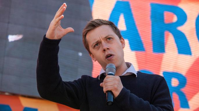 Journalist Owen Jones alleges he was attacked by far-right mob