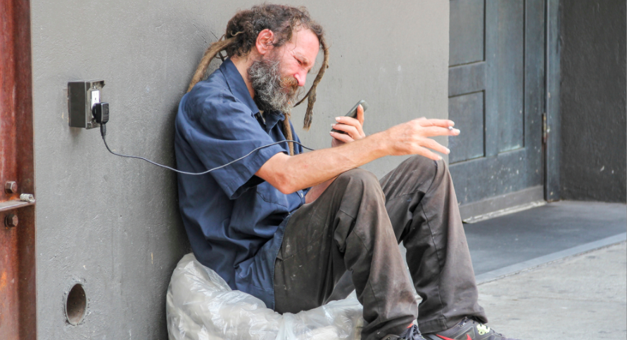 BC homeless to get free cell phones to help with social distancing