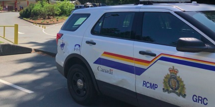 Armed standoff in Iqaluit, RCMP advises residents to stay away