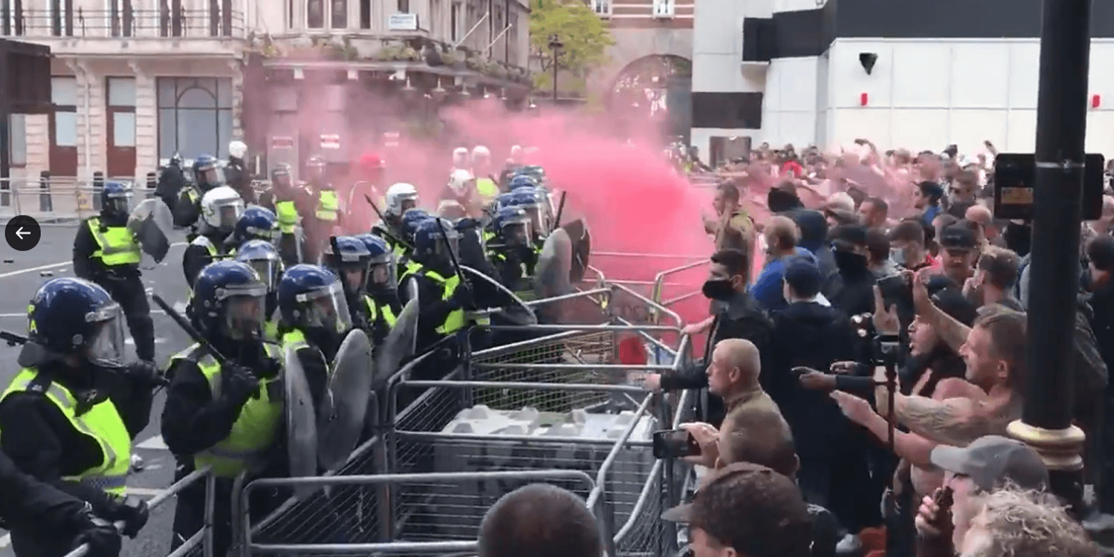 Counter-protesters step up to protect historical monuments against Antifa in London