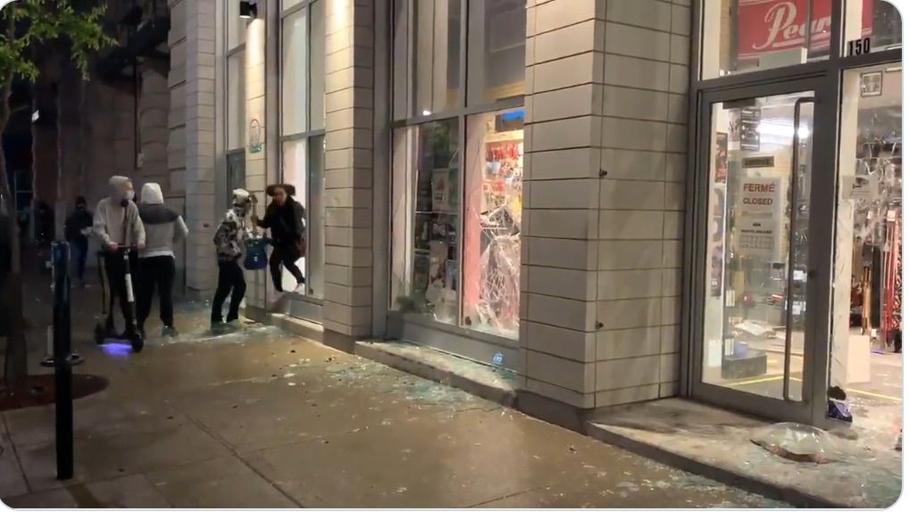 Looting in Montreal after peaceful protest turns violent