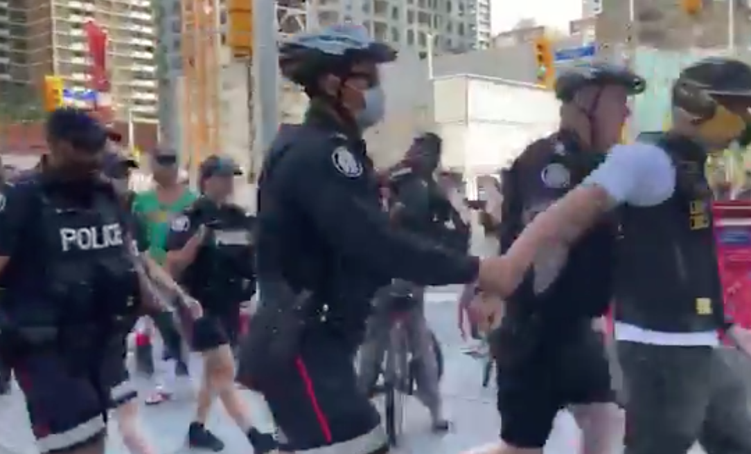BREAKING: Protestors block traffic in downtown Toronto for anti-Israel 'Day of Rage' rally—one man arrested