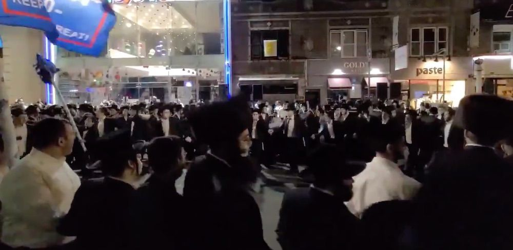 WATCH: Orthodox Jews protest in the streets of Brooklyn for second night after Cuomo's call to shut down synagogues