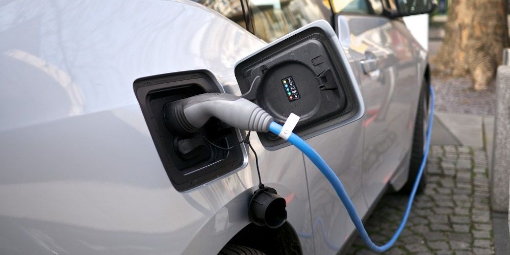 Trudeau Liberals dish out $186 MILLION in first year of electric car rebate strategy