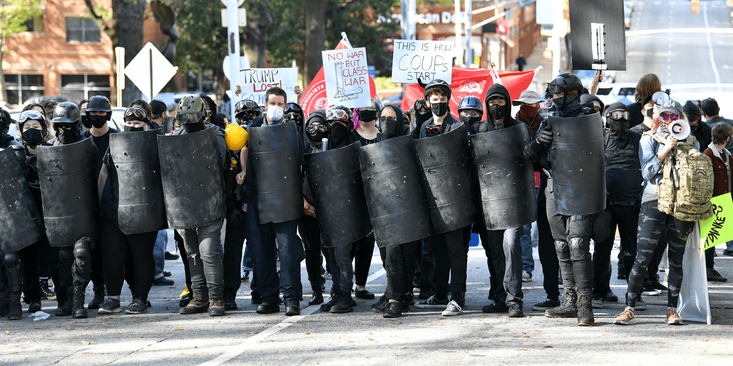 Riot police intervene as tensions rise between Trump supporters and Antifa at Atlanta rally