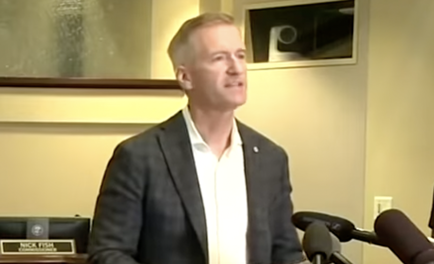 Portland Mayor Ted Wheeler pepper-sprays man who confronted him over not wearing a mask