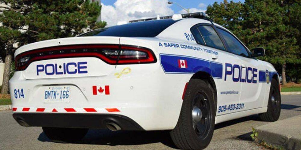 Man barricades himself inside Mississauga home with weapon