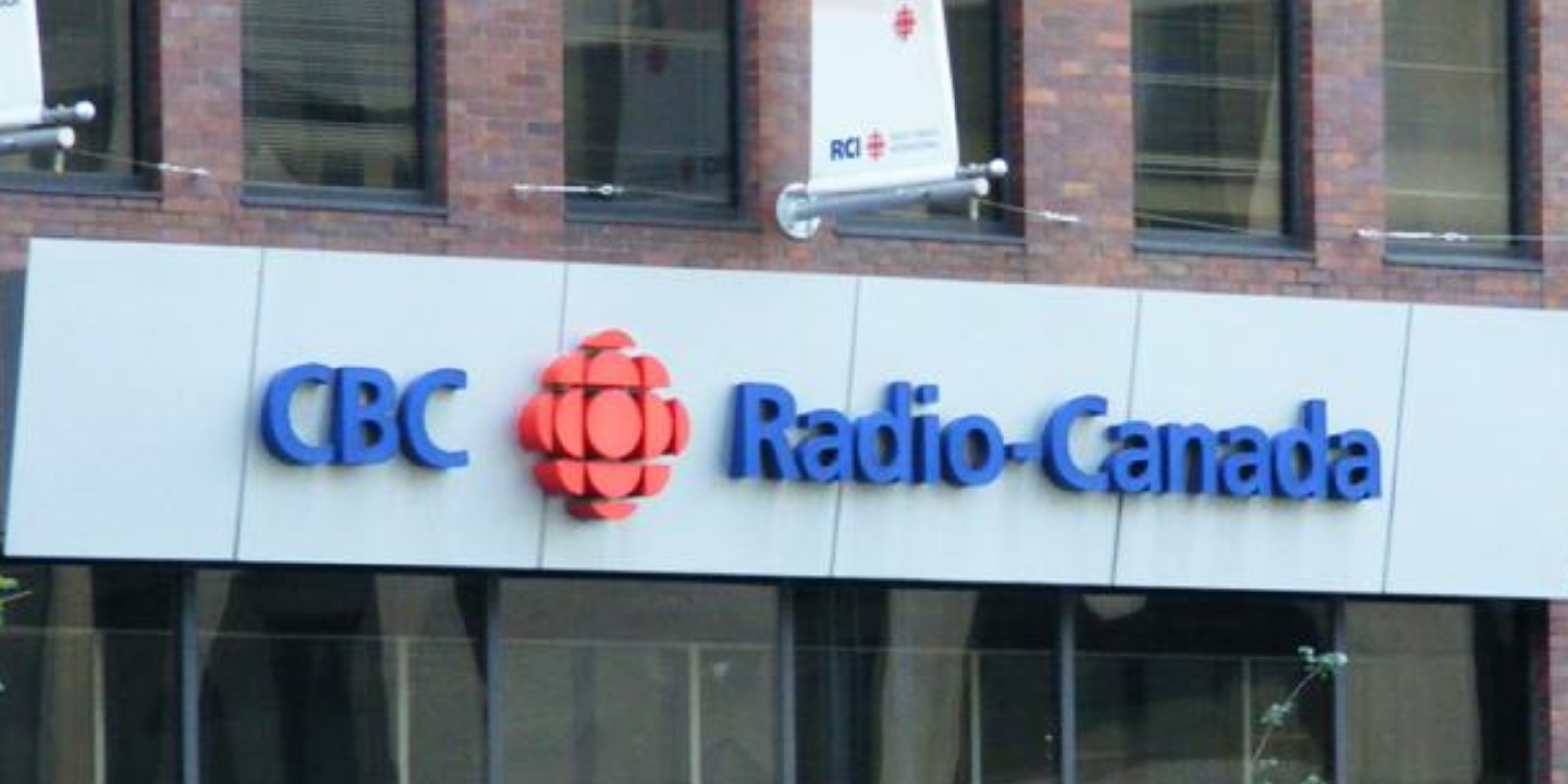 Only 28 percent of Canadians say CBC radio is 'important' to them