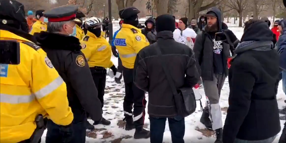 BREAKING: Anti-lockdown protests continue in Toronto this weekend, several arrests made