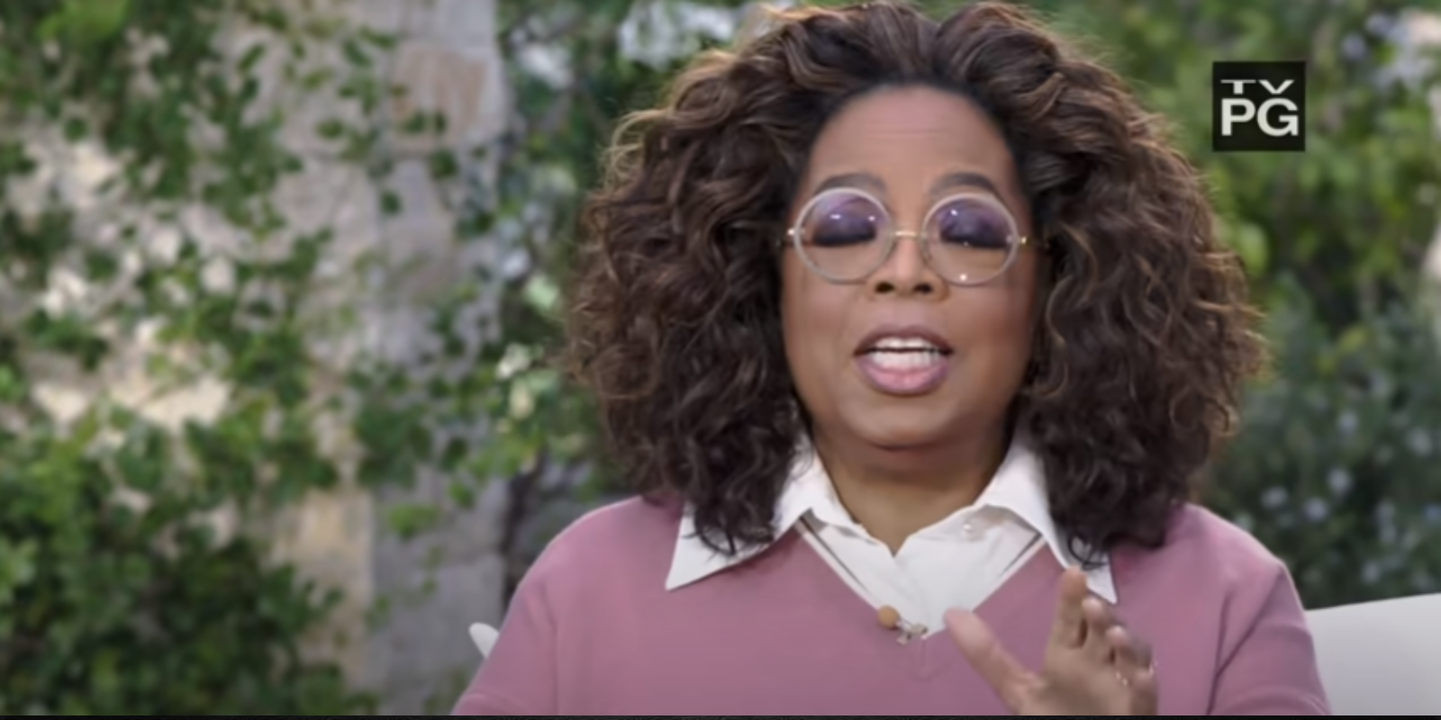 'Digital Blackface': It's racist for non-Black people to share Oprah memes because it 'co-opts Black identity' says social justice organization