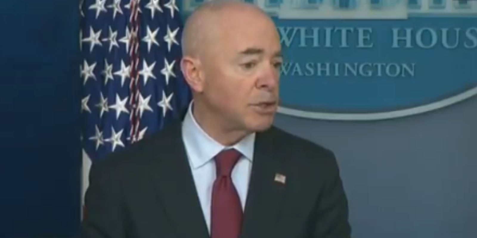 Biden White House to illegal immigrants: Come on in, just not yet