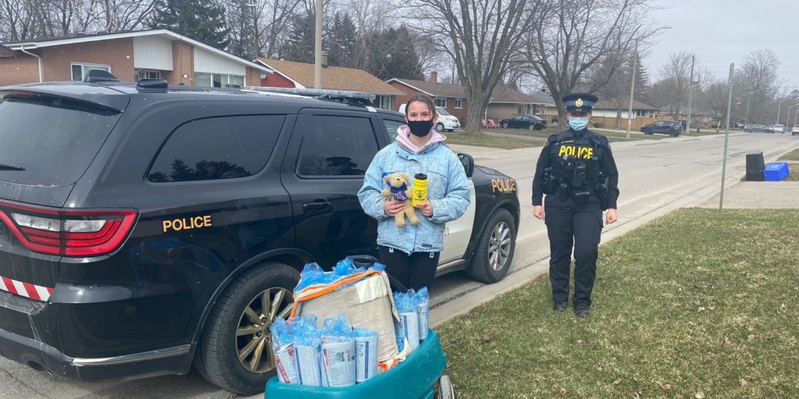 12-year-old girl recognized by OPP after returning 'lost sizeable sum of money' to police
