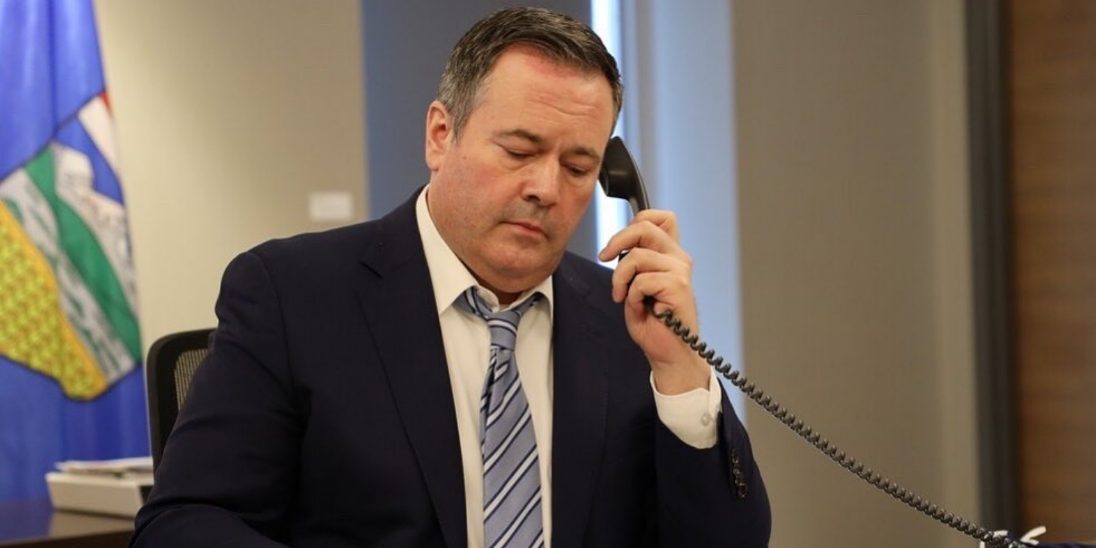 Jason Kenney reportedly threatened UCP caucus with snap election over lockdown revolt