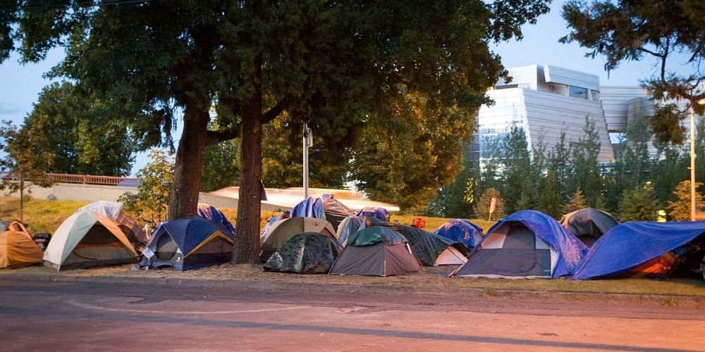 Oregon legislature passes bill to allow homeless to legally camp on public property