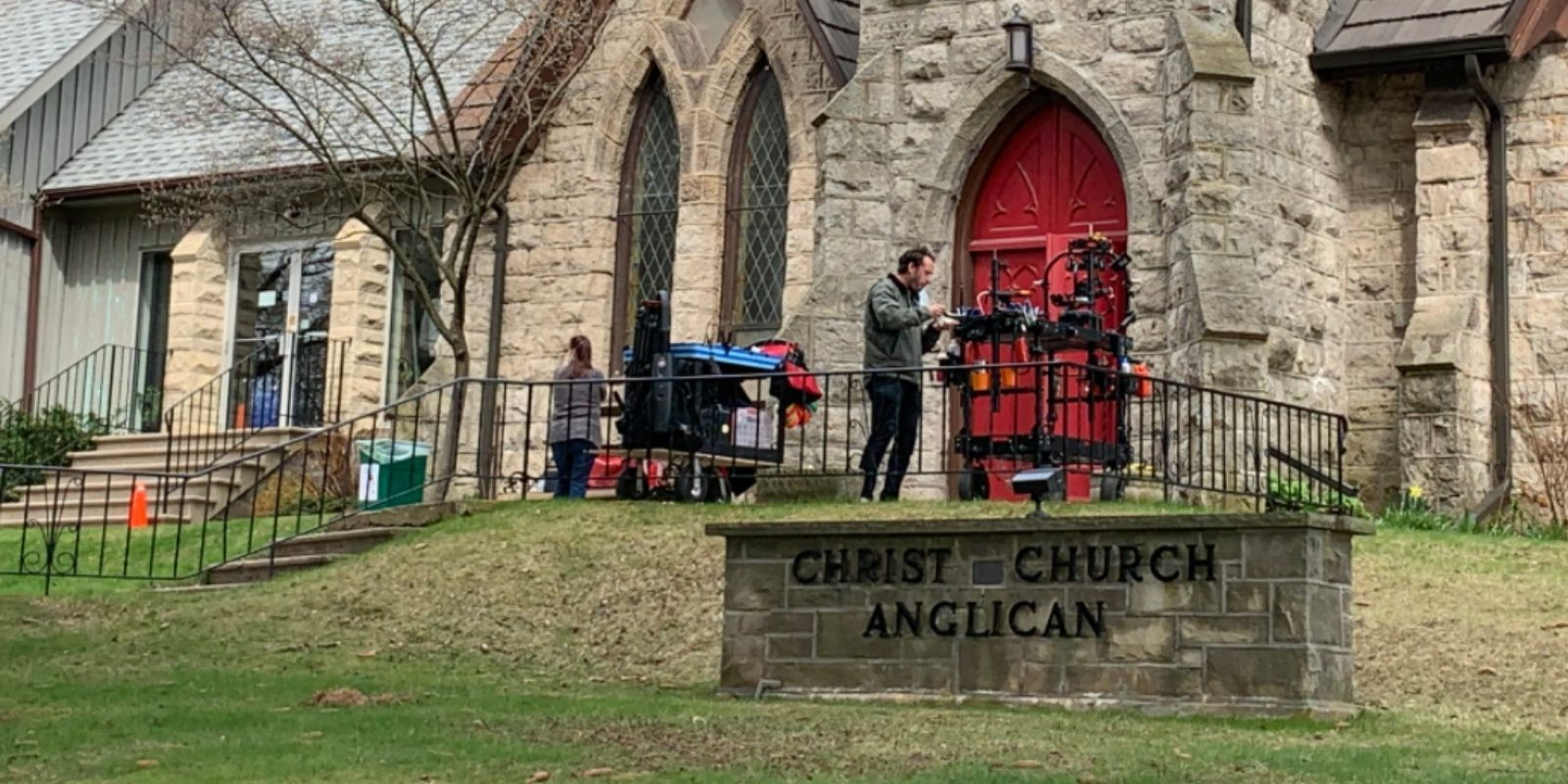 Ontario lockdown rules limit churches to '10 worshippers,' yet film sets allowed to pack them