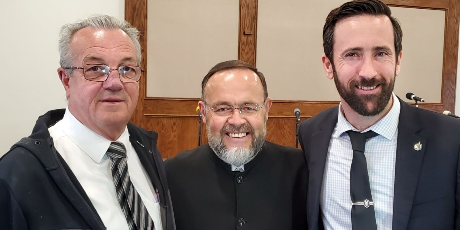 BREAKING: MP Derek Sloan, MPP Randy Hillier charged by police for attending illegal church service