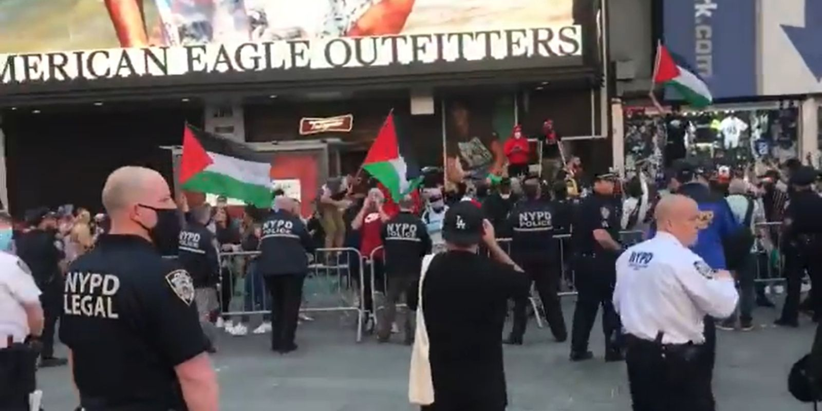 BREAKING: Suspect arrested and charged with hate crime assault after antisemitic attacks in Manhattan