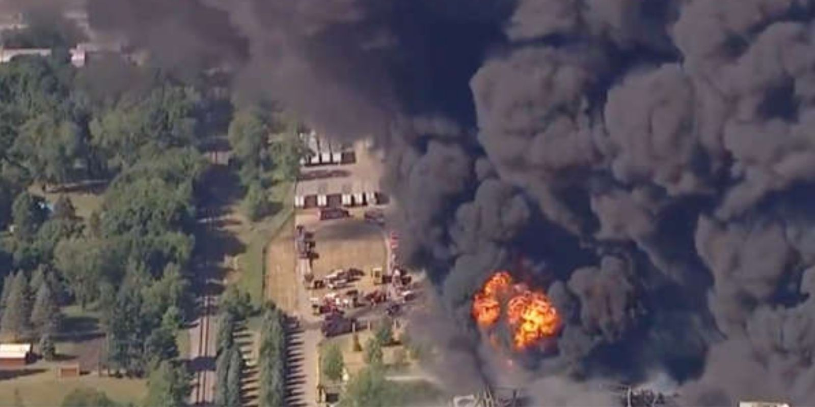 WATCH: HUGE explosion at Illinois chemical plant