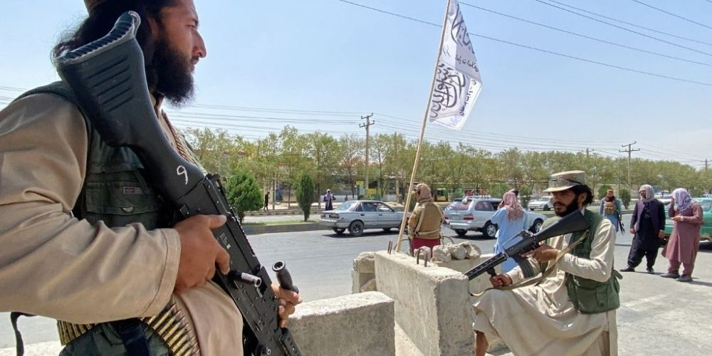 Afghan women not accompanied by male relatives threatened at Taliban checkpoints in Kabul