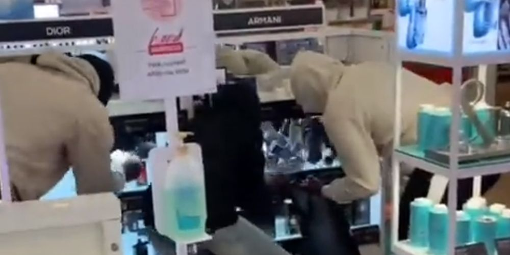 WATCH: Beauty store gets ransacked by thieves in LAWLESS Chicago