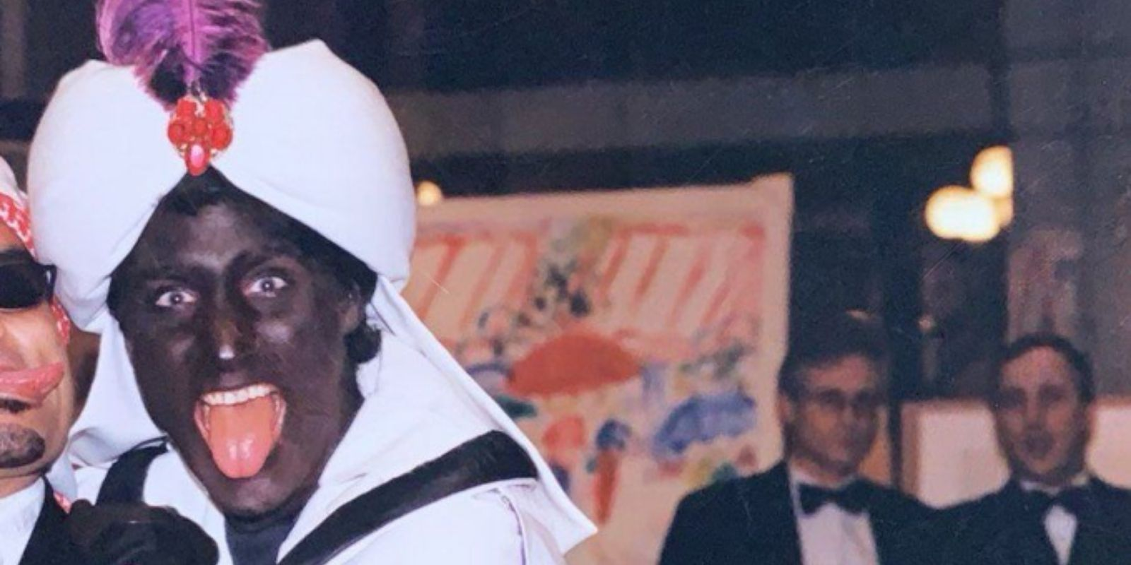 BREAKING: Previously unseen photo of Justin Trudeau in blackface emerges on eve of election night